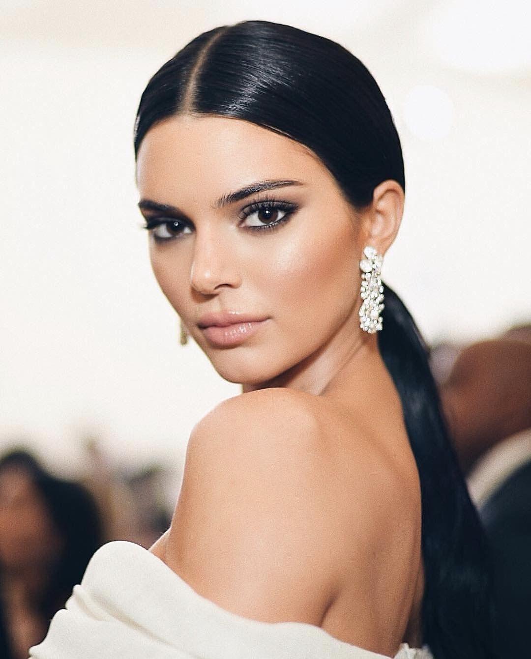 Hair and makeup inspiration met gala foto