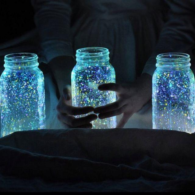 Glow in the dark mason jars sprayed with glow-in-the-dark paint! Cartergirlevents.tmblr ...