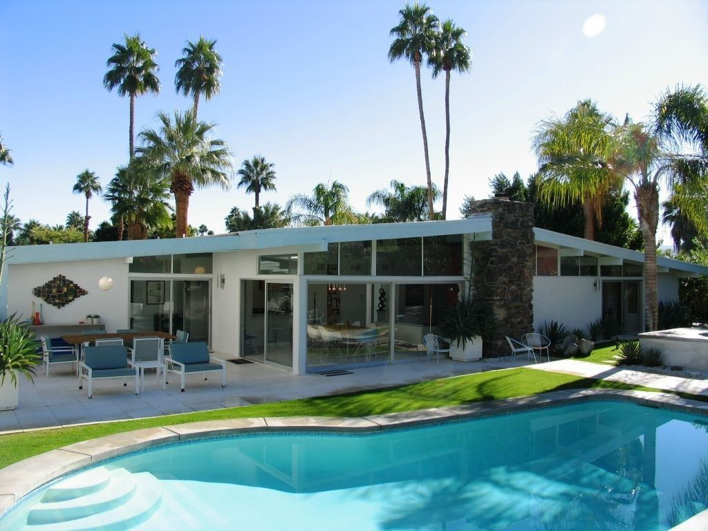 View 33 photos of this 4 bed, 3.0 bath, 2131 sqft single family home located at 1387 N Via Monte Vis, Palm Springs, CA 92262 that sold on 1/25/10 for $900,000