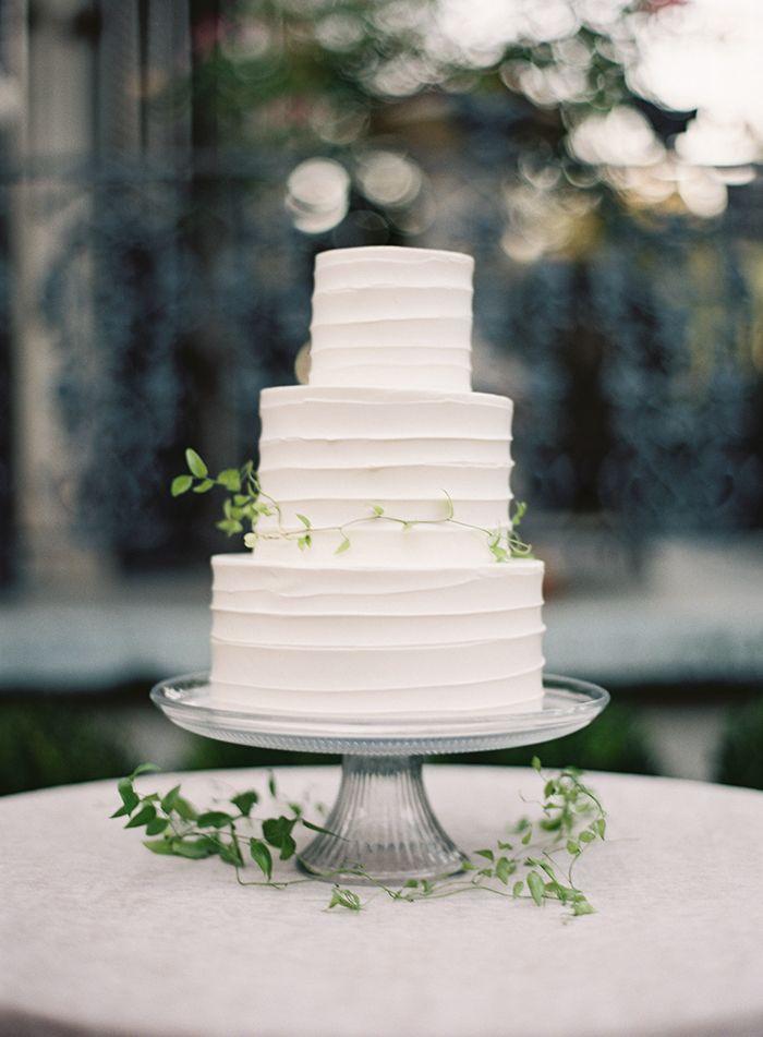 Secret Garden Inspired Wedding Wedding Inspiration Oncewed Com Simple Wedding Cake Beach Theme Wedding Cakes Wedding Cake Toppers