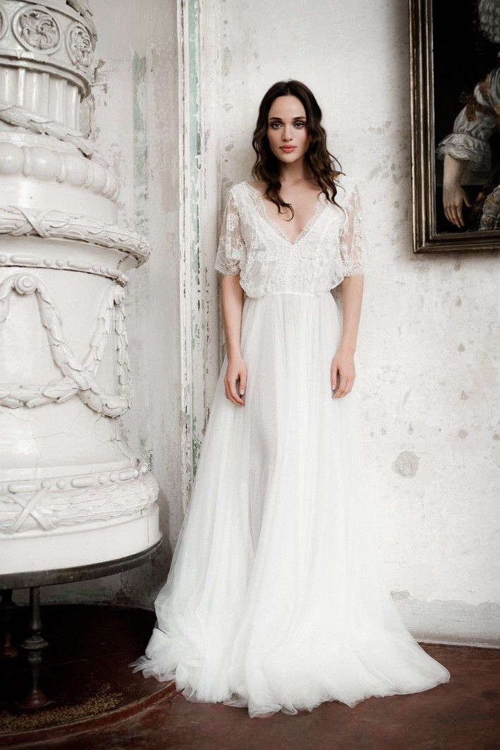 Romantic Lace Simple Boho Wedding Dress 2017 Delicate V-neck Lace ...