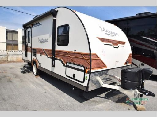 Check Out This 2018 Gulf Stream Rv Vintage Cruiser 19erd Listing