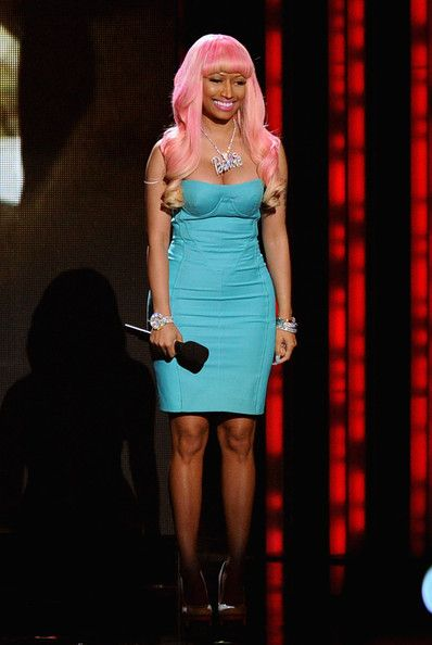 Nicki Minaj About That Hustle About Her Money And Makes Her Man Respect Her Hair Styles Hair Beautiful Hair