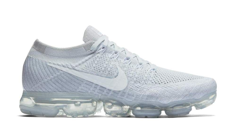 purchase cheap cdc40 69f3d Nike Air Vapormax Flyknit trainers in White Gym Running Mens 942842