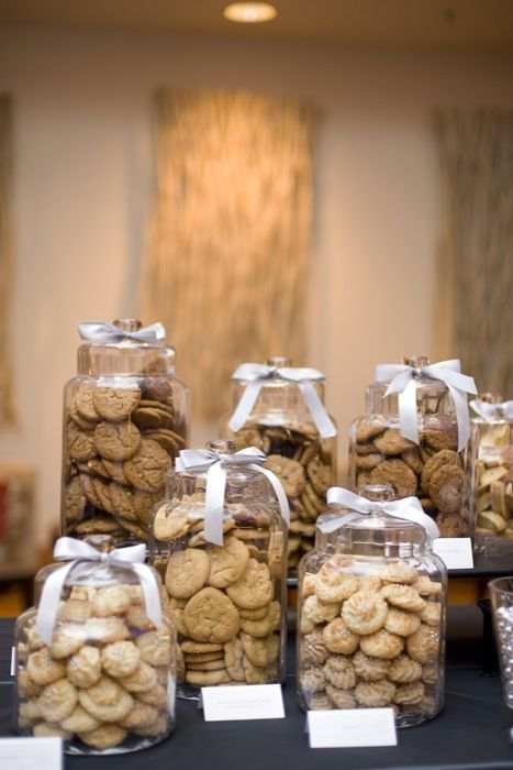 Wedding Catering Trends: 4 Food Bar Types You Need To Try: #3. Cookie Bar