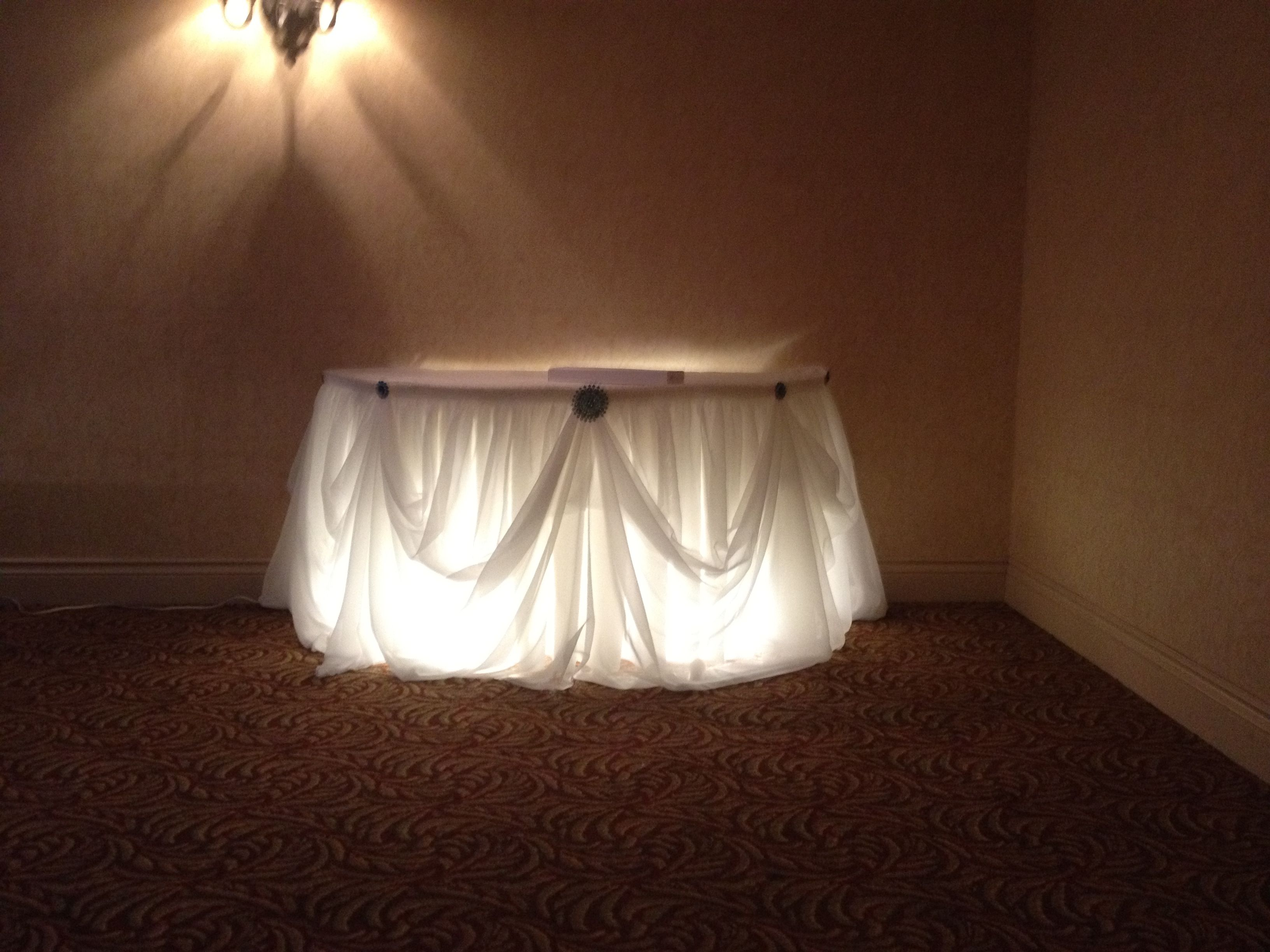 Wedding Set Up Cake Table Decor At The Holiday Inn Point Edward