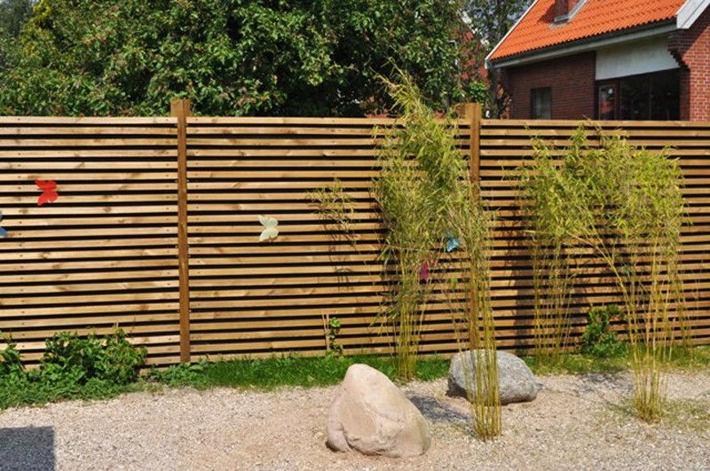 Cloture en bois ext rieur pinterest for Palissade en bois exterieur