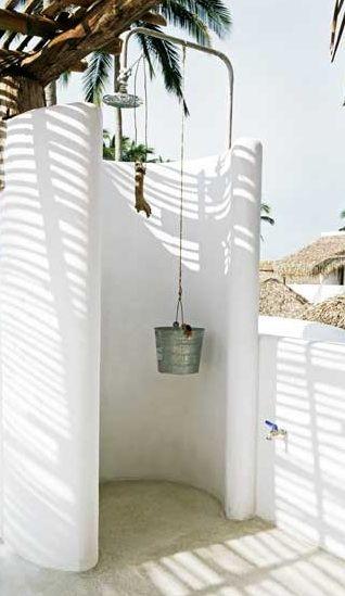 Outdoor shower duchas piscina pinterest ducha for Ducha exterior piscina