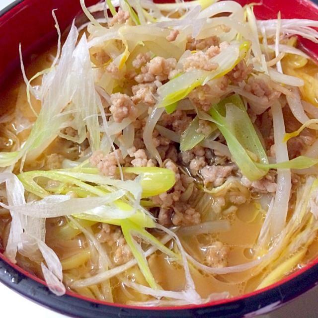 ガラを炊いてスープを作りました! - 11件のもぐもぐ - ネギラーメン by テル