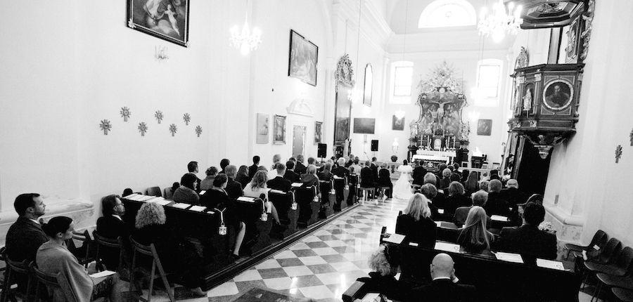 Lieder Zum Einzug In Die Kirche Hochzeitslieder Fur Die Trauung Hochzeitslieder Hochzeit Willkommensschilder Lieder