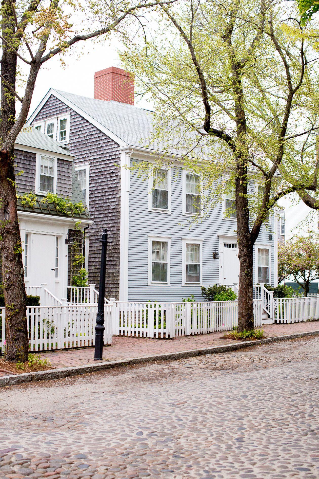 Malerisch Amerikanische Terrasse Foto Von Evening Stroll Down Main Street In Nantucket