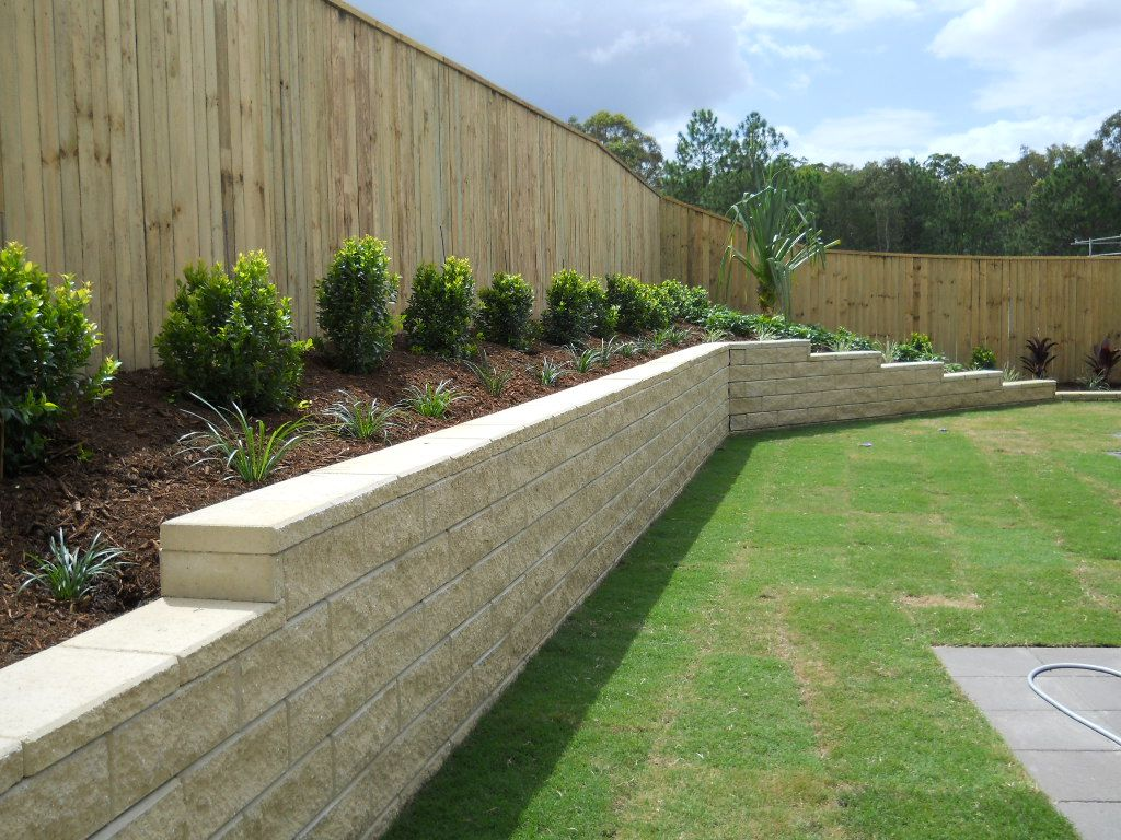 Inground Pool With Retaining Wall Gc Landscapers