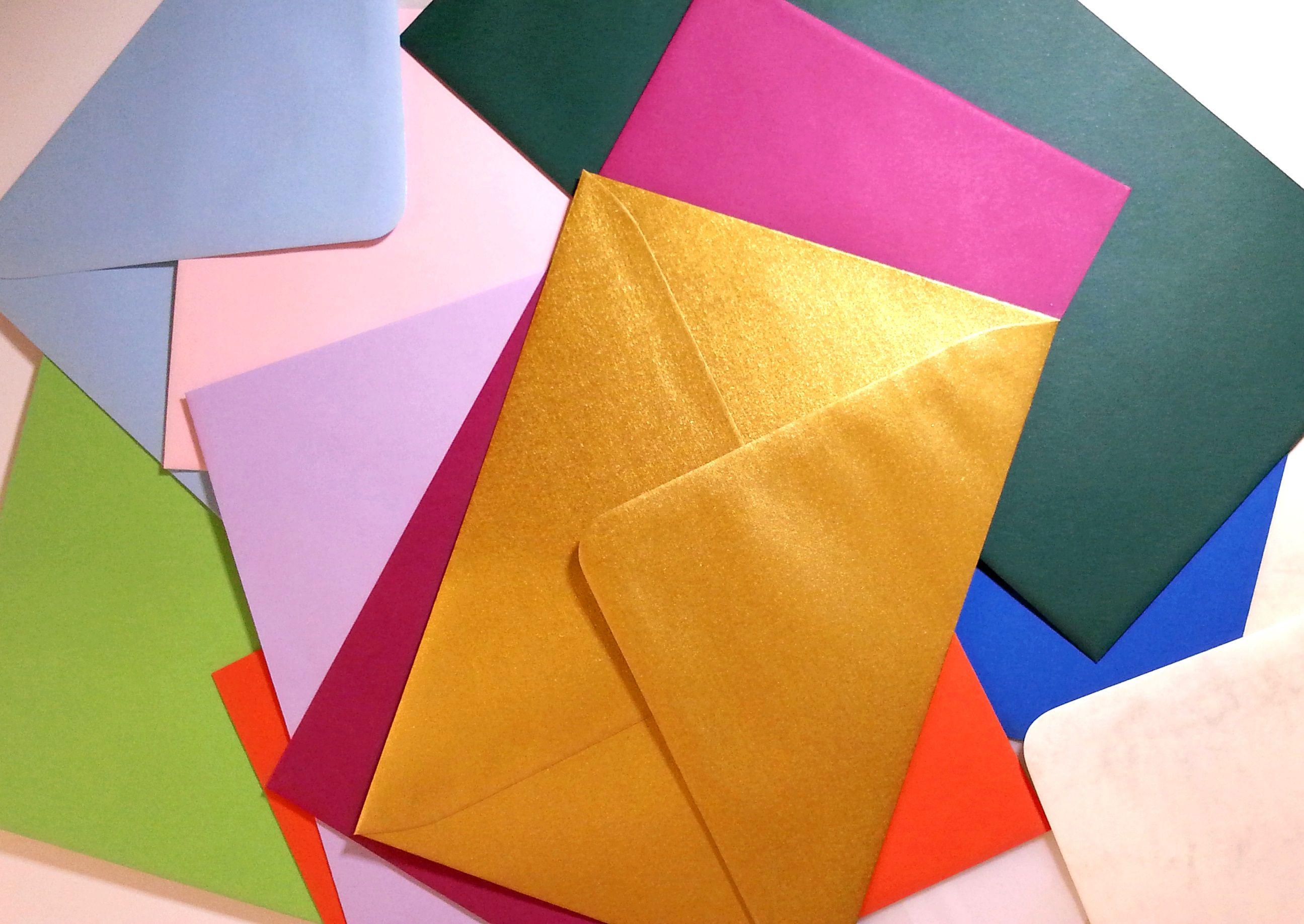 www.Kuvertwelt.de ... tolle farbige Kuverts entdeckt! Der GOLDENE hat es mir besonders angetan ;)