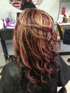 Mahogany Red Blonde Highlights Chocolate Red Hair Color With Highlights Brown Blonde Hair Hair Color Highlights Hair Styles