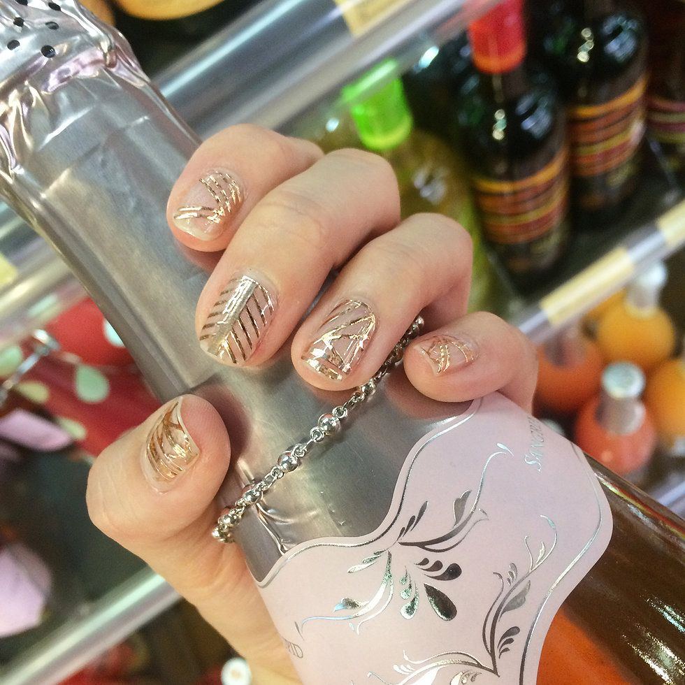 Pretty champagne with rose gold nail! Rose gold nails