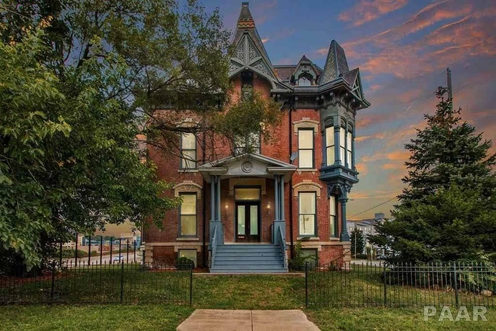 1877 victorian in peoria illinois mansions mansions for