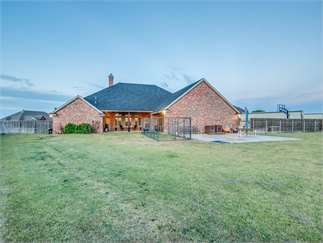 Lubbock, Lubbock County, Texas House For Sale - 2.34 Acres