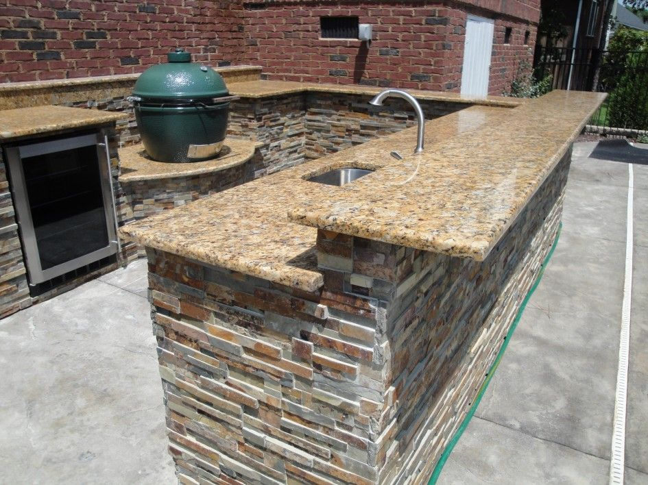 Dazzling U Shaped Outdoor Kitchen Designs With Sunset Gold Granite Kitchen Countertop And Split