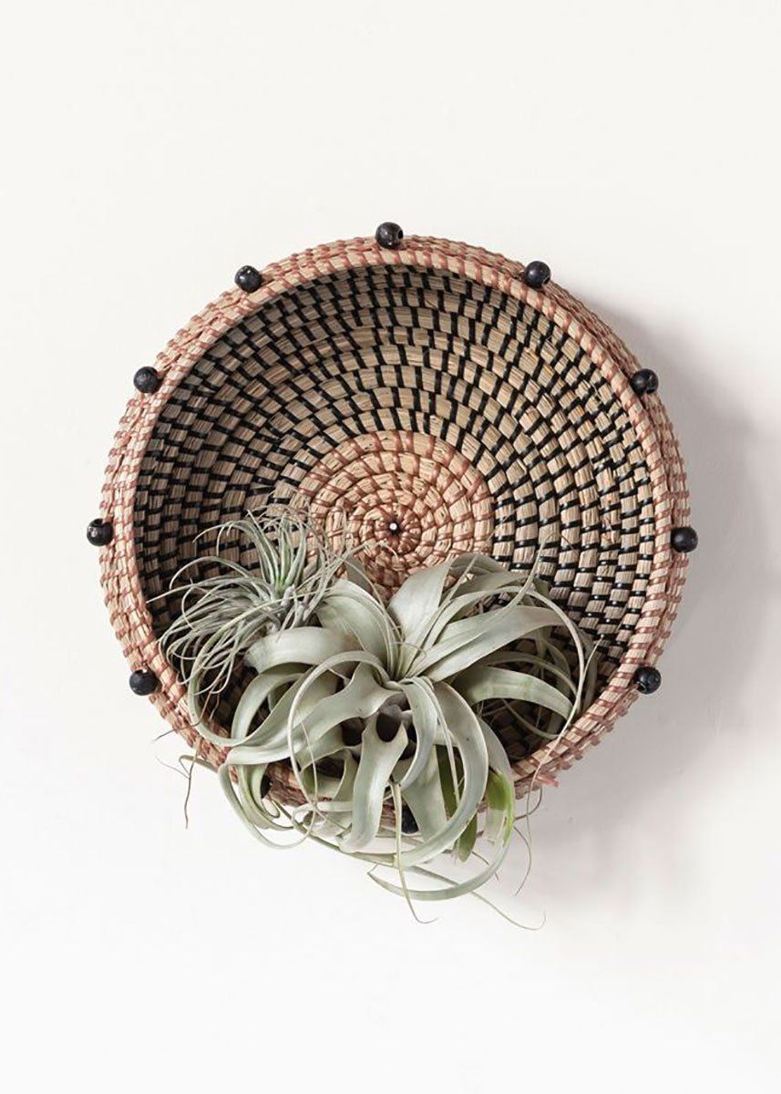 Round Woven Seagrass Basket With Beads In 2020 Baskets On Wall Basket Wall Decor Seagrass Basket