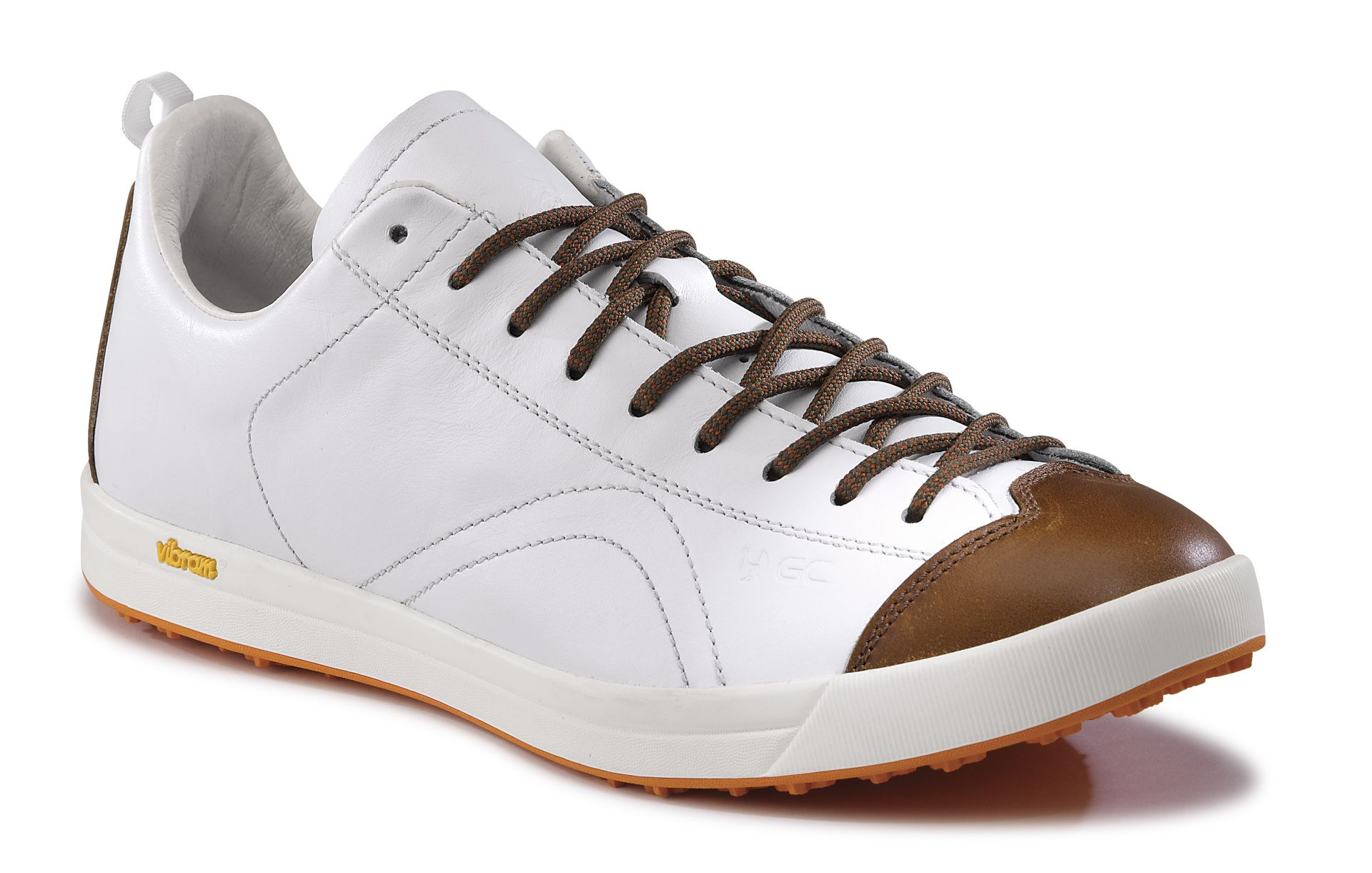 GC Driver, our top of the line #golf shoes, with premium full grain leather upper, leather lining and insole, and specific Vibram® outsole. Enjoy!