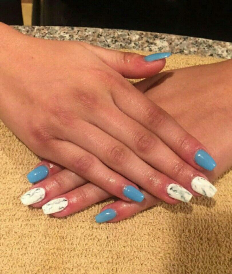 Short Coffin Acrylic Nails Blue And White Marble Nails Nails Design With Rhinestones Coffin Nails Designs Acrylic Nail Designs