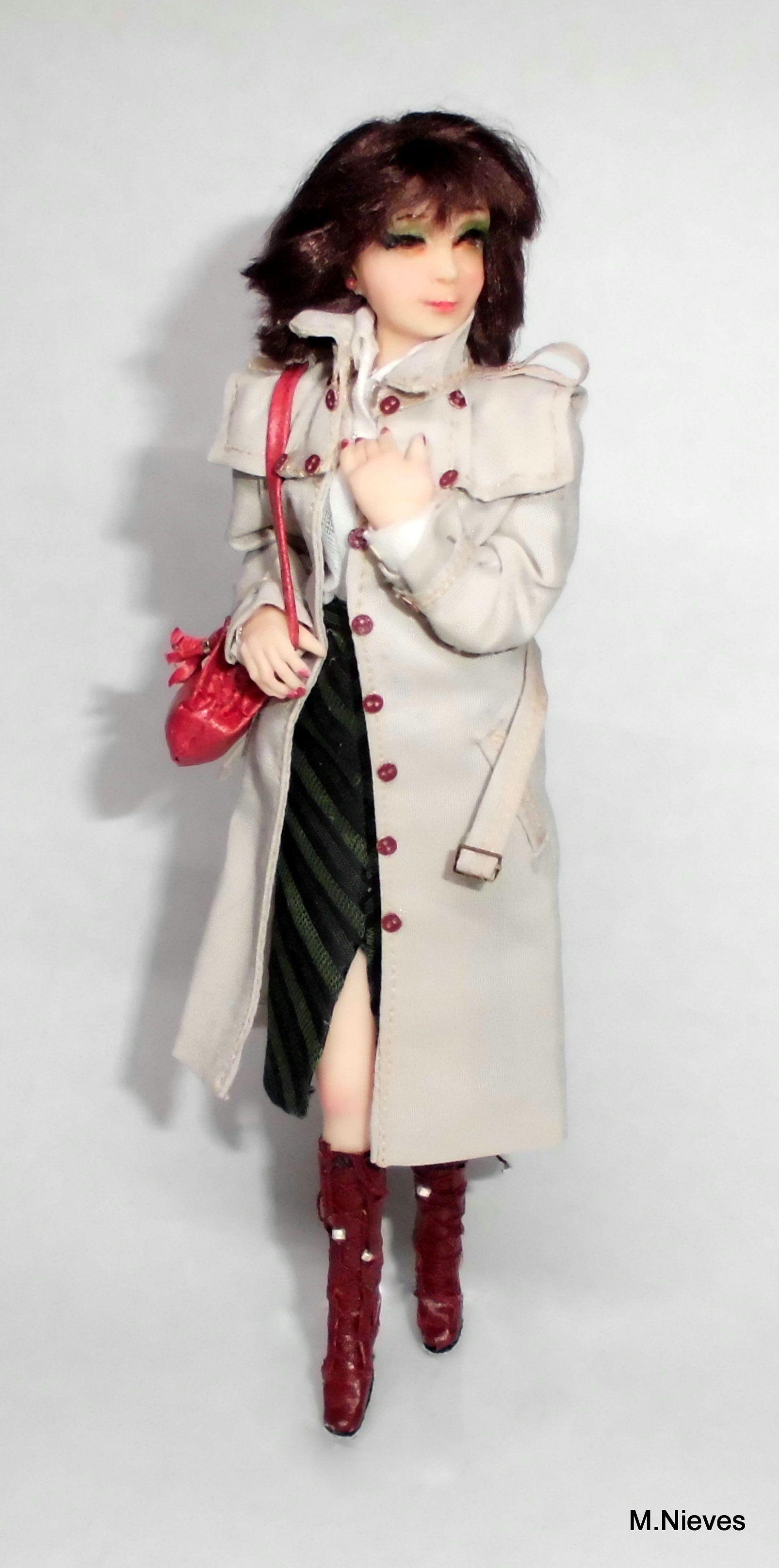 Mujer con gabardina Fashion, Dresses, Victorian