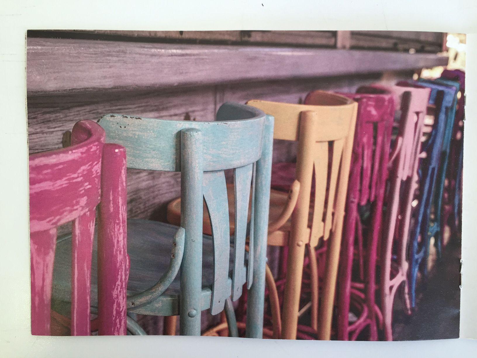 peinture effet craie pour la r novation de meubles en bois. Black Bedroom Furniture Sets. Home Design Ideas