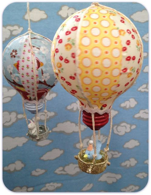 "Make ""hot air balloons"" from old lightbulbs!"