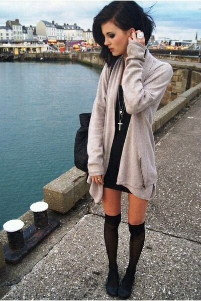 .love the sweater with cross necklace