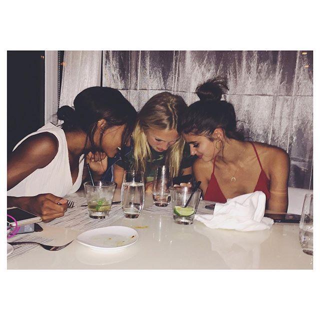 Team meeting 💃🏻🏈 😉