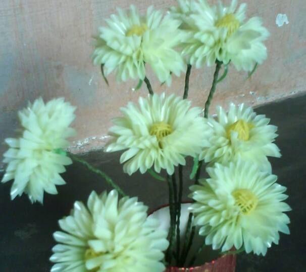Cara Membuat Bunga Matahari Dari Sedotan Plastik Sedotan Plastik Bekas Banyak Ditemui Dan Merupakan Salah Satu Limbah Plastik Bunga Bunga Kertas Kecantikan