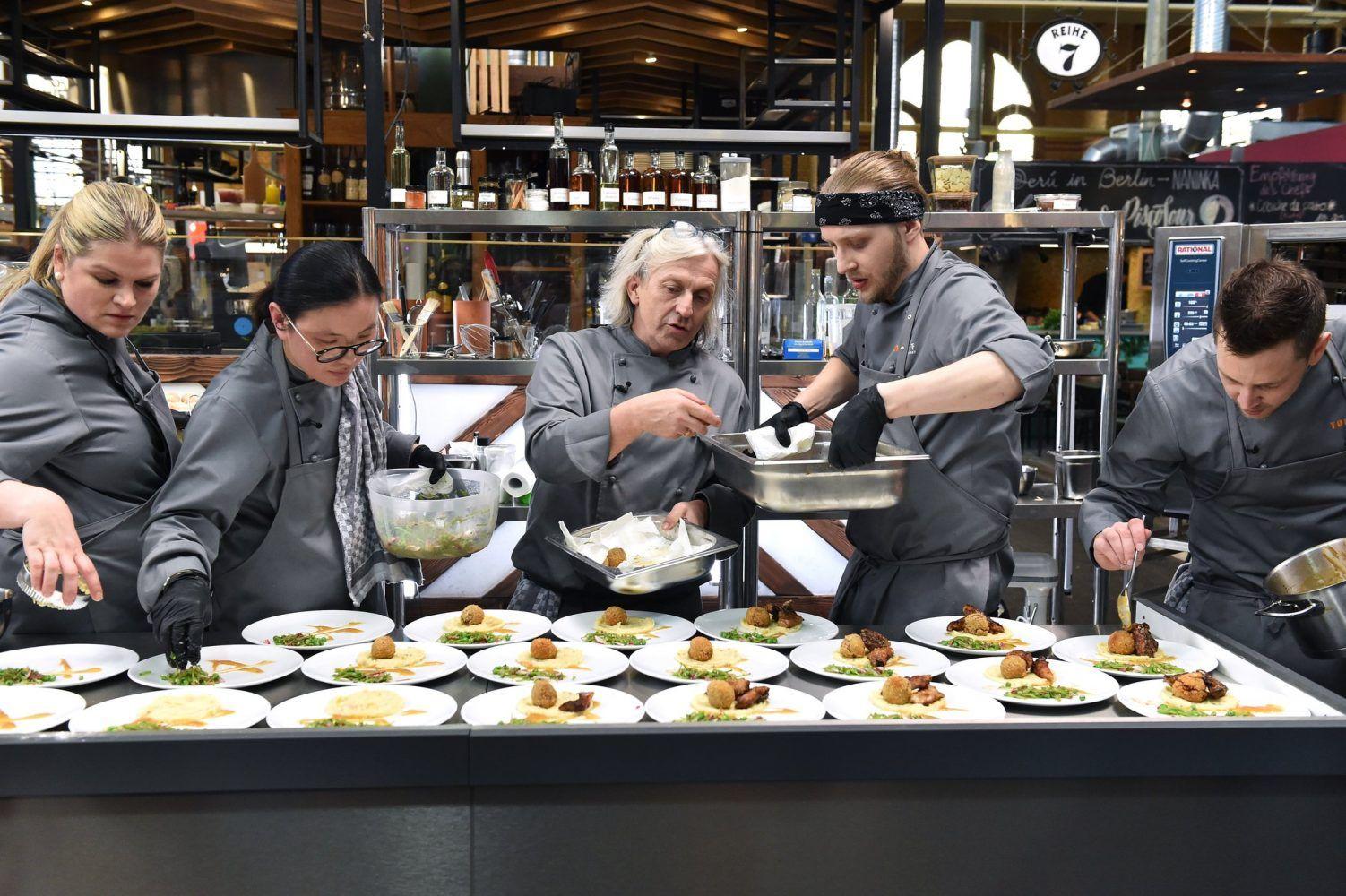 Die Messer Sind Gewetzt Zwolf Der Besten Koche Deutschlands Wollen Top Chef Germany Werden Ab Mittwoch 8 Mai 2019 Um 20 15 Uhr In Sat 1 Kochen Kuchenchef Sternekoch