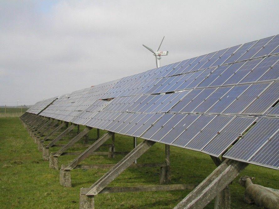 New graphene solar panels turn rain into clean energy