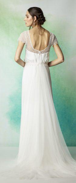 37042bbd7e2 gefunden bei HAPPY BRAUTMODEN Brautkleid Hochzeitskleid Vintage Boho Rembo  Styling fließender Rock Spitze tiefer Rücken
