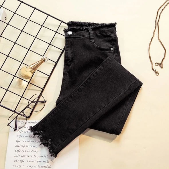 Pin De Ayrenn Casas En Brackets En 2020 Pantalones De Mezclilla Pantalones Mujer Ropa Gotica Mujer