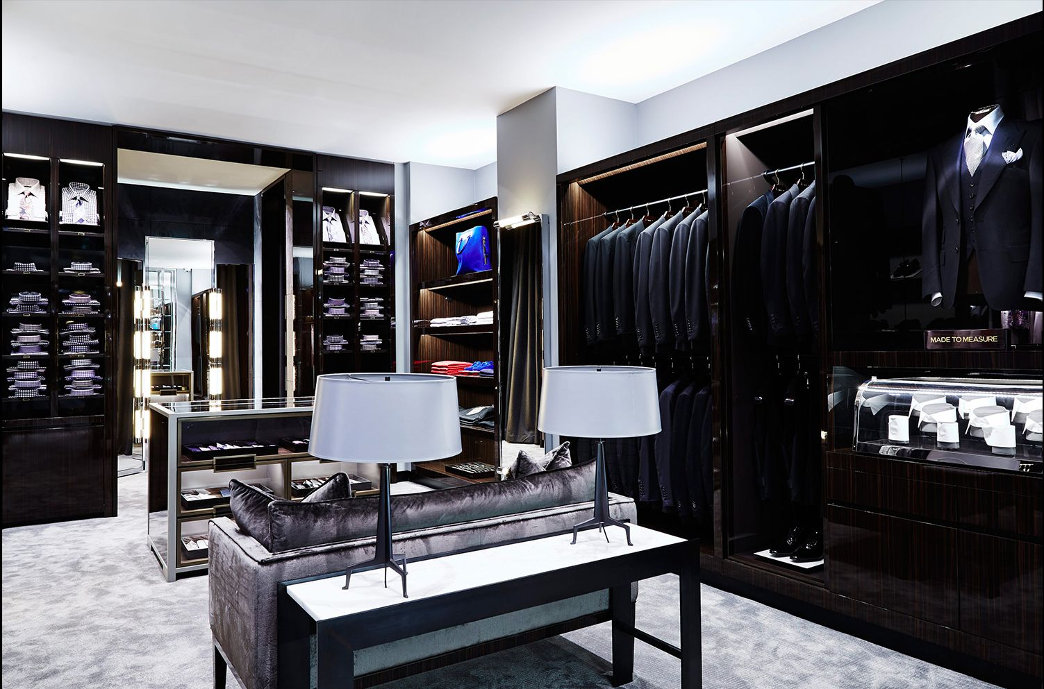 Tom ford shop interior masculine dressing room for Dressing room interior