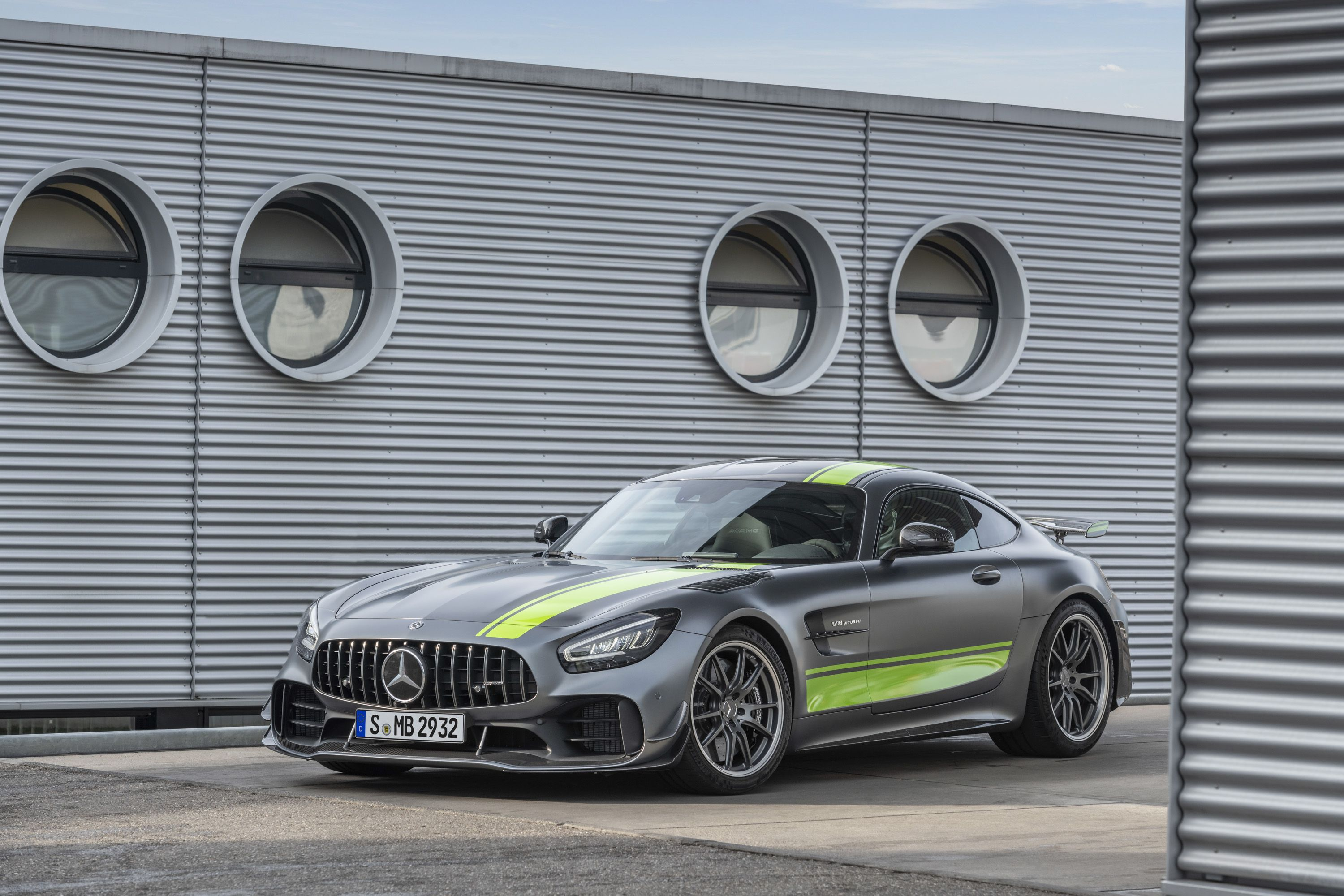 Wallpaper Of The Day 2020 Mercedes Amg Gt R Pro Mercedes Amg