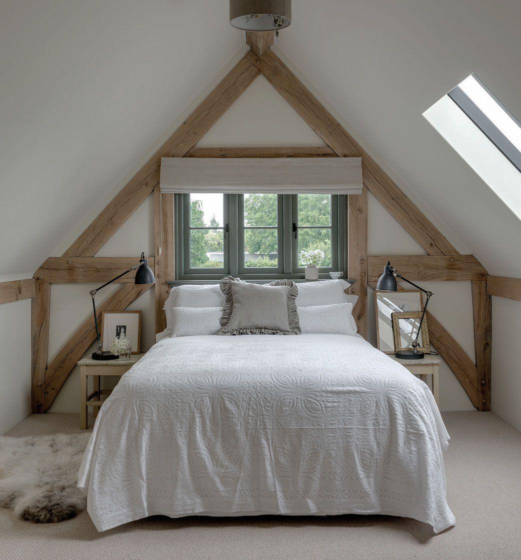 20 Bedroom Designs With Vaulted Ceilings: Barn Bedrooms, Oak Frame House