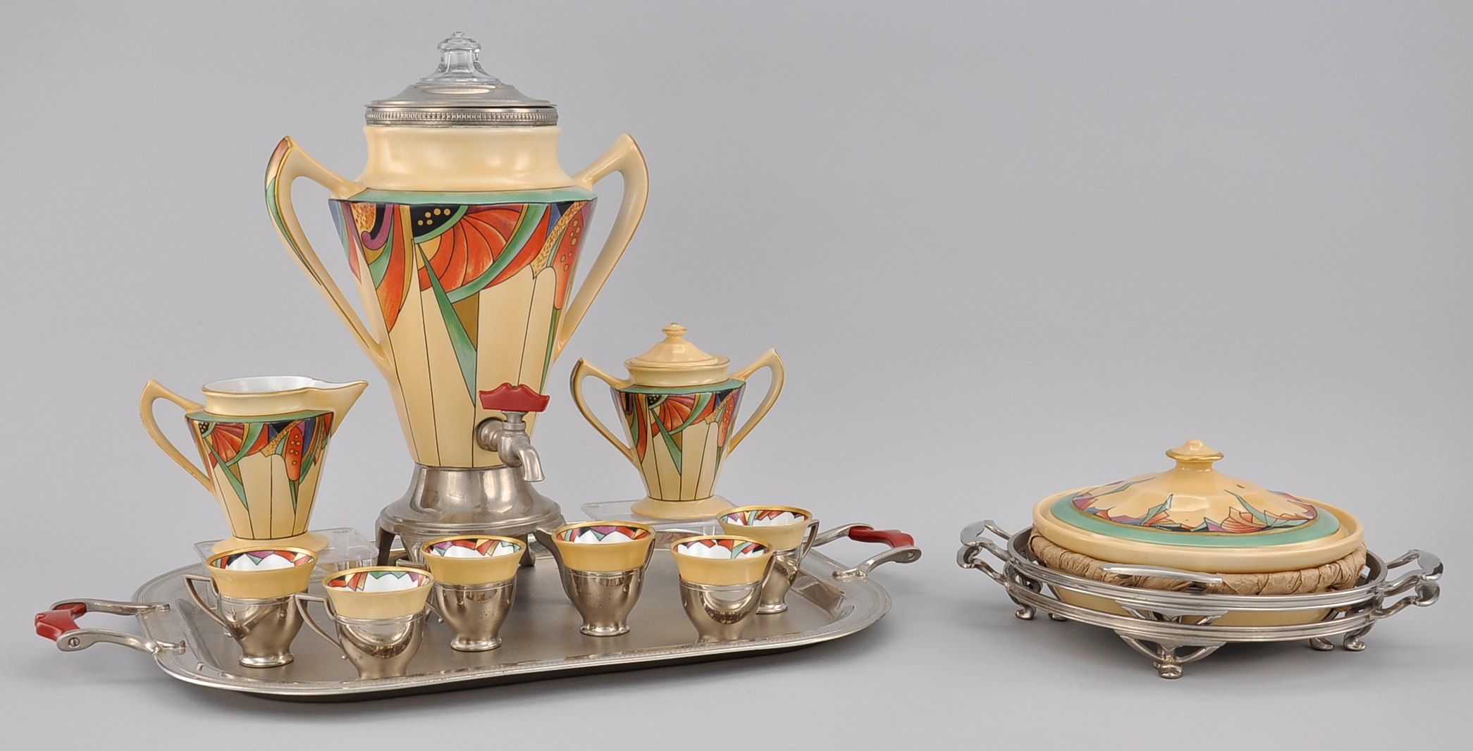 Beste Art Deco tea service by Fraunfelter China for Royal Rochester, USA HK-98