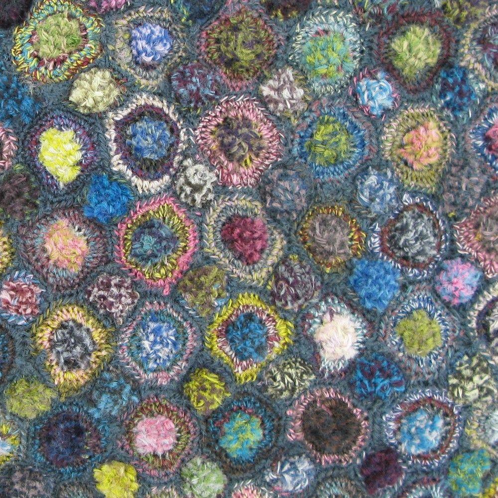 Tufted Circles - Dark - Sophie Digard crochet