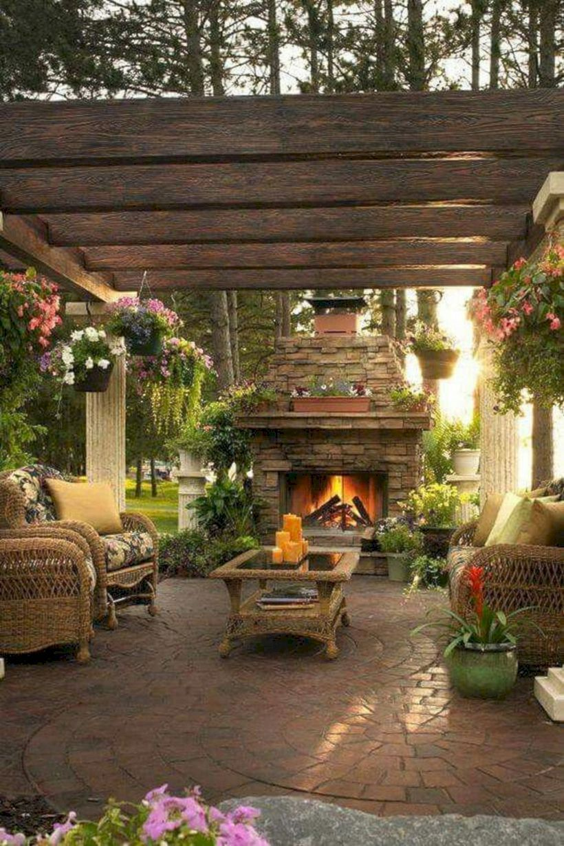 51 Comfy Green Country Backyard Remodel Ideas - ROUNDECOR #backyardremodel