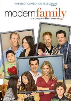 Christmas Episodes Of Modern Family A List Of Christmas And Thanksgiving Episodes For The Tv Show Modern Fa Modern Family Season 1 Modern Family Family Poster