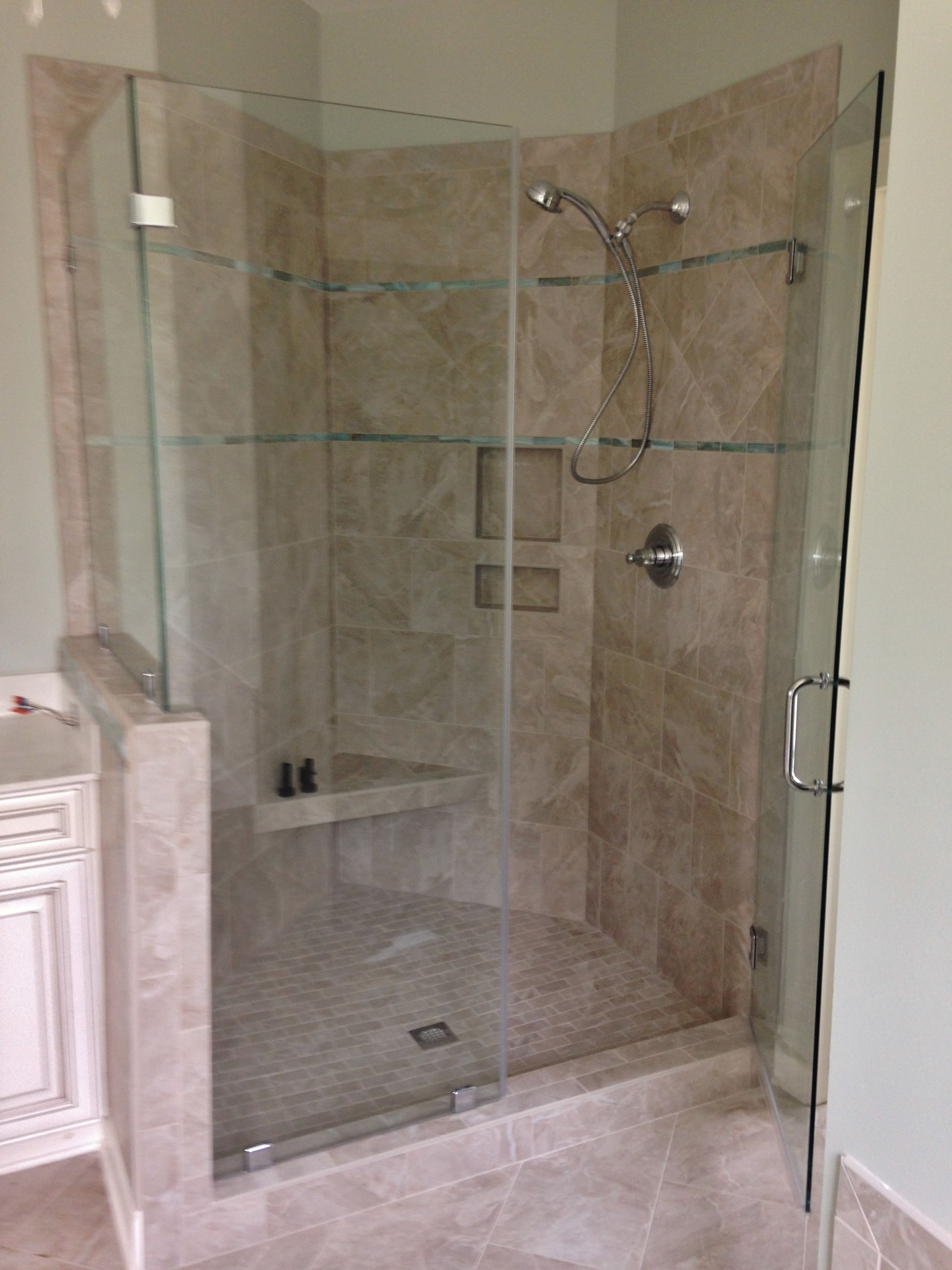 Master Shower with niche and bench seat; travertine | Tile Jobs We ...