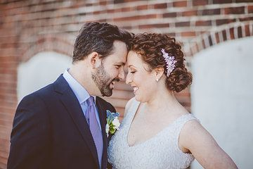 Hummingbird Bridal and Lorenz Photography teamed up for Anna and Bret's wedding at Artists for Humanity in Boston. This is just a small selection of our favorite photos from this stunning event.