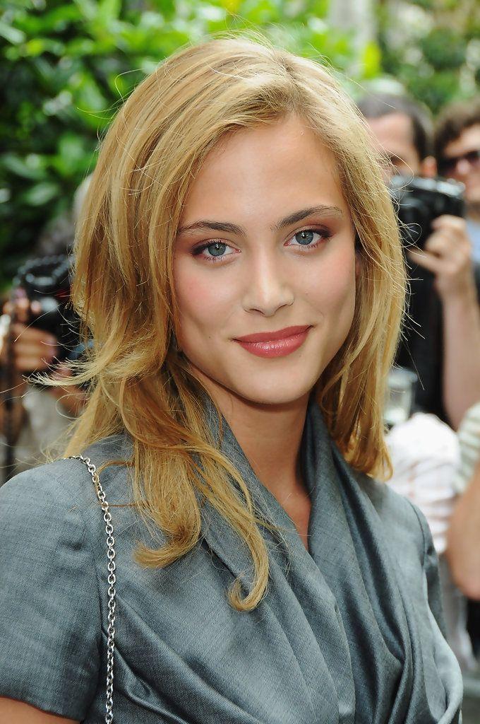 Nora Arnezeder Photostream | Nora arnezeder, French beauty, Beauty