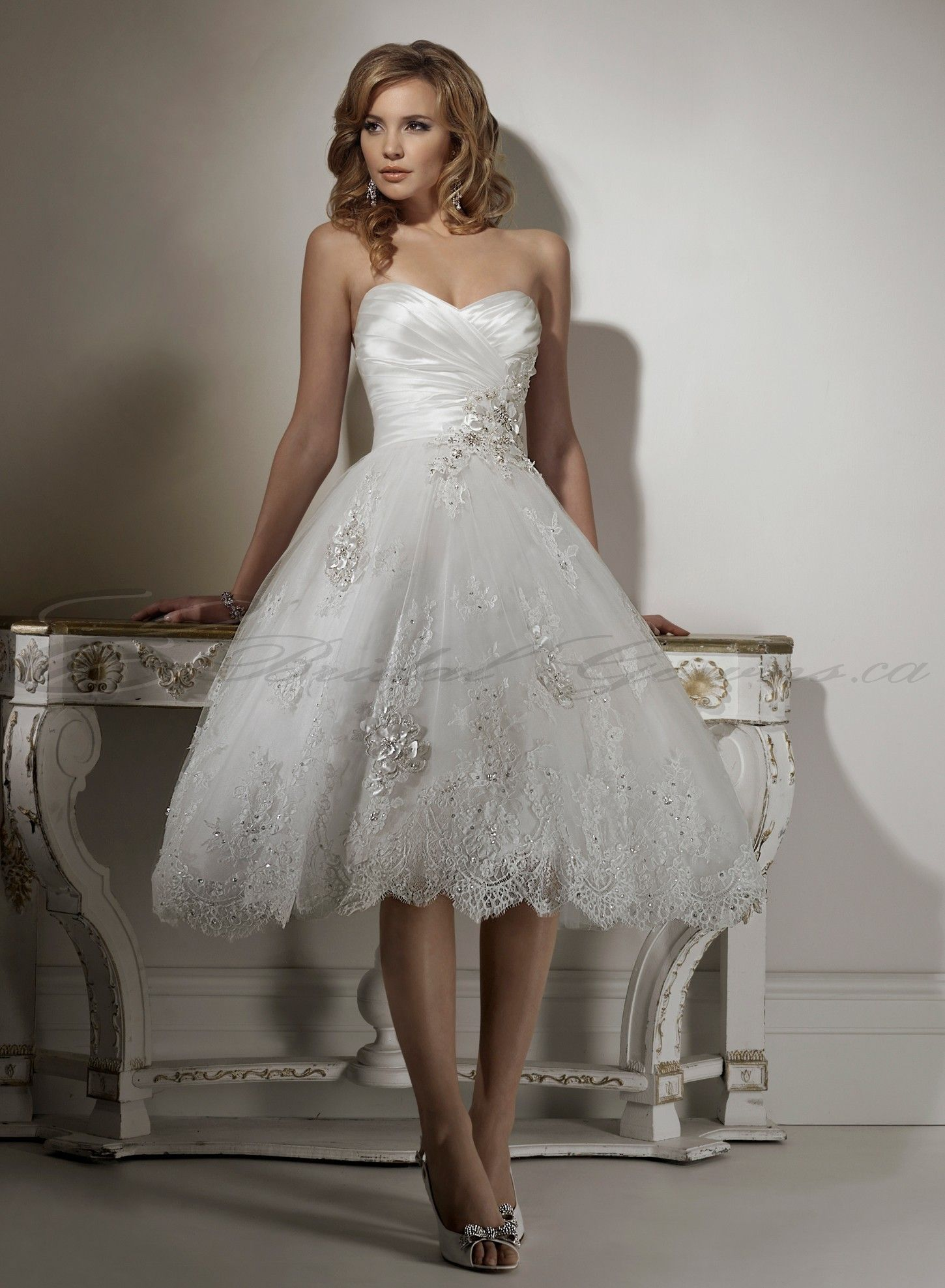 Sweetheart Short Beach Simple Wedding Dress