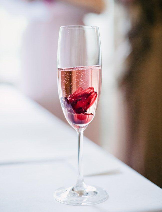 sektempfang-hochzeit-rose-sekt-hibikusblüte-originelle-idee-getränke ...