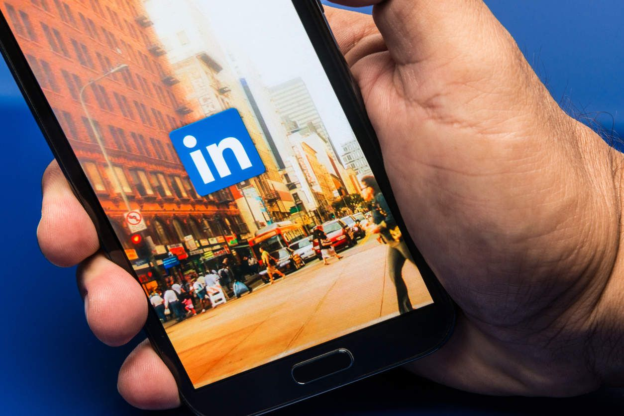 14++ How do i upload my resume to linkedin Format