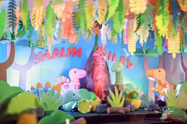 Shaun Riley's Dino-rrific Theme Party – 1st Birthday