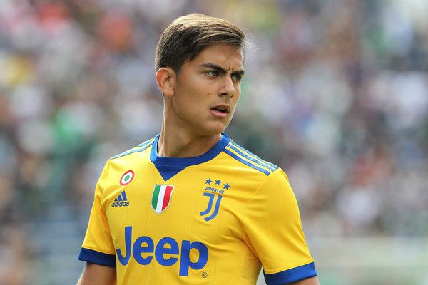 Paulo Dybala Photos Photos - Paulo Dybala of Juventus looks on during the Serie A match between US Sassuolo and Juventus at Mapei Stadium - Citta' del Tricolore on September 17, 2017 in Reggio nell'Emilia, Italy. - US Sassuolo v Juventus - Serie A